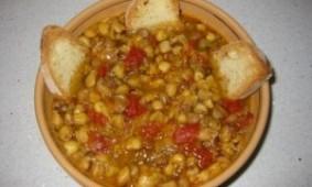 Zuppa di Cicerchie alla Marchigiana con Battuto di Olive